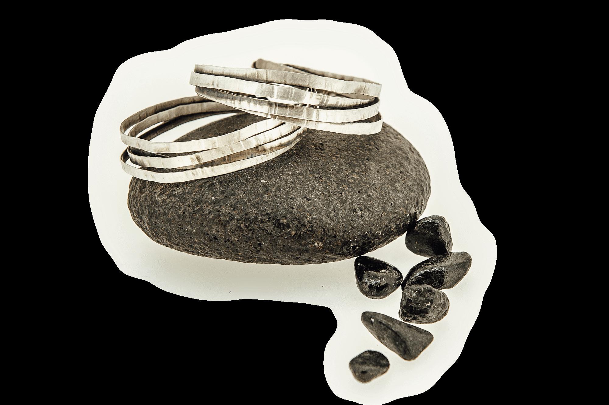 brazaletes de plata artesanía de gipuzkoa ziku